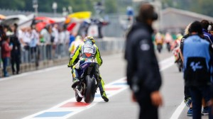 rossi start in pitlane