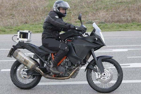 KTM-1290-Adventure