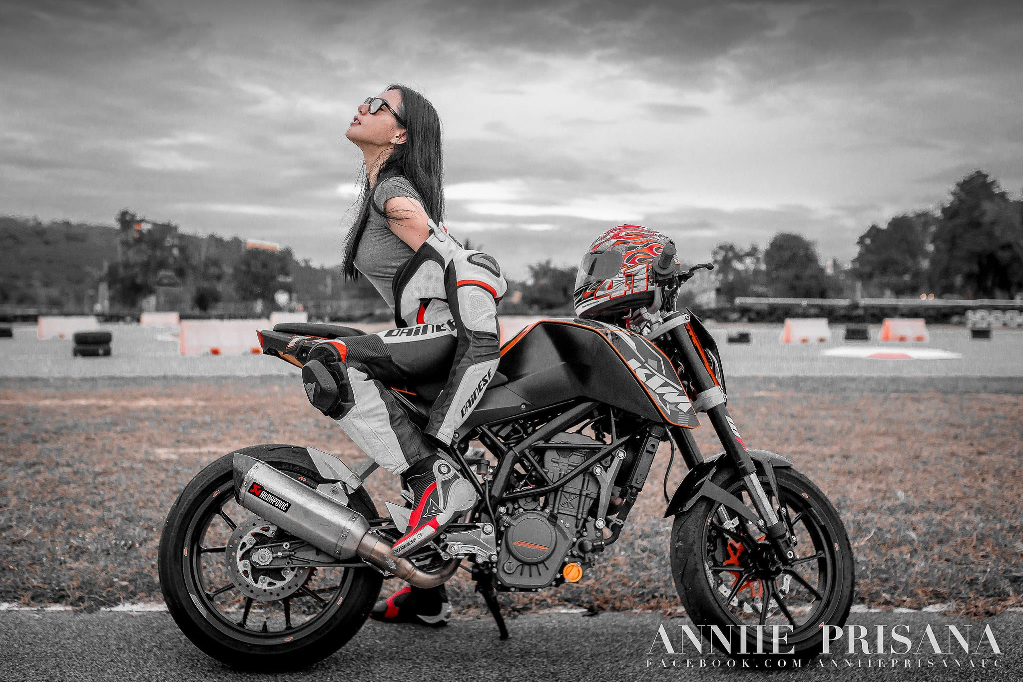 biker chick moto annie bike tracks returns chonburi asphalt thailand favourite