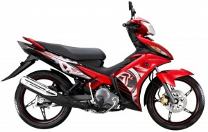 2-2014-Yamaha135LC-4S-red-640x409