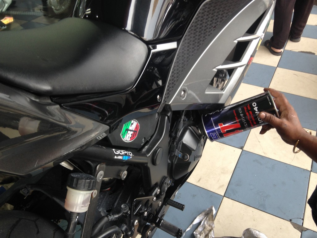 "i-Moto | NANOTECHNOLOGY "" TIE 4T NANO ENGINE OIL"