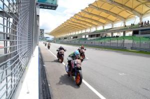 race2_3