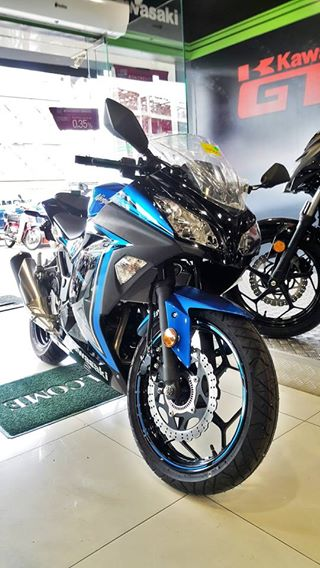 I Moto Launch Kawasaki Ninja 300 Z300
