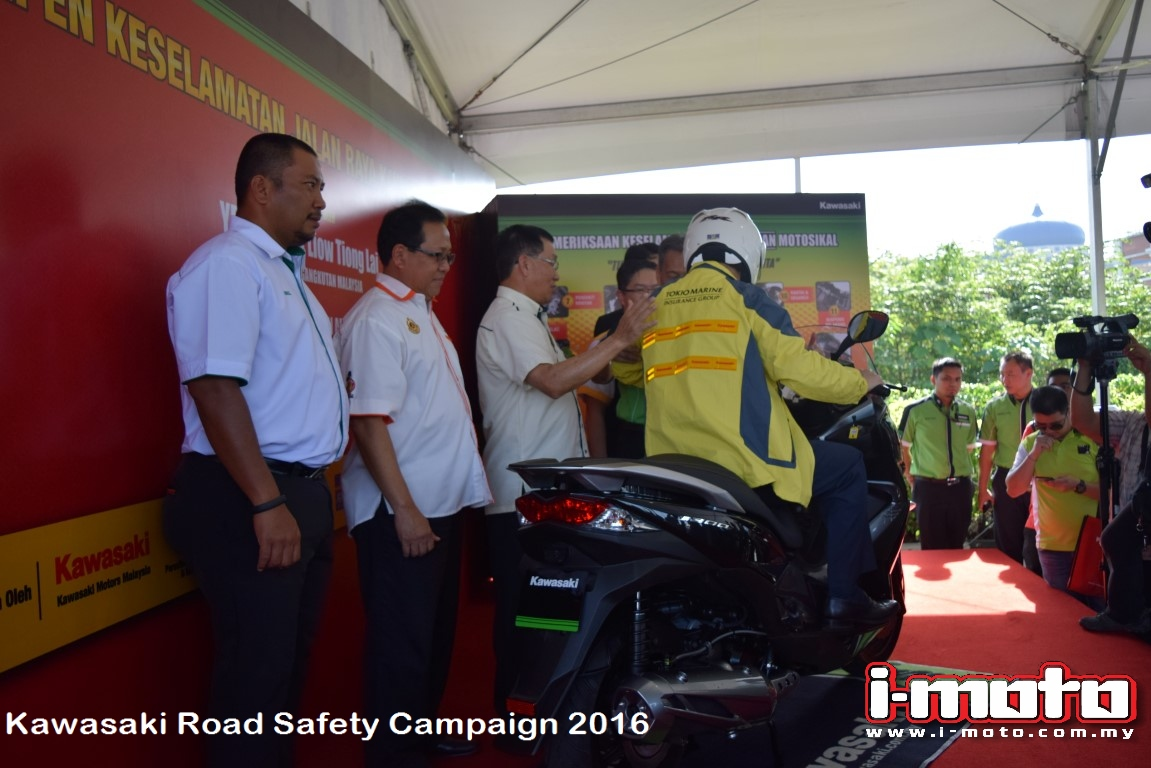 road transport and road safety Transport road transport road safety education and resources road safety education and resources access road safety topics, publications games, quizzes and other road safety information information about a variety of important road safety topics and issues in western australia road safety education and resources online.