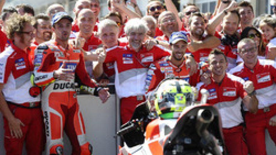 motogp-austrian-gp-2016-race-winner-andrea-iannone-ducati-team-second-place-andrea-dovizio
