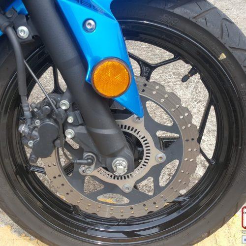 i-MOTO ROADTEST: 2016 NINJA 300 SE ABS