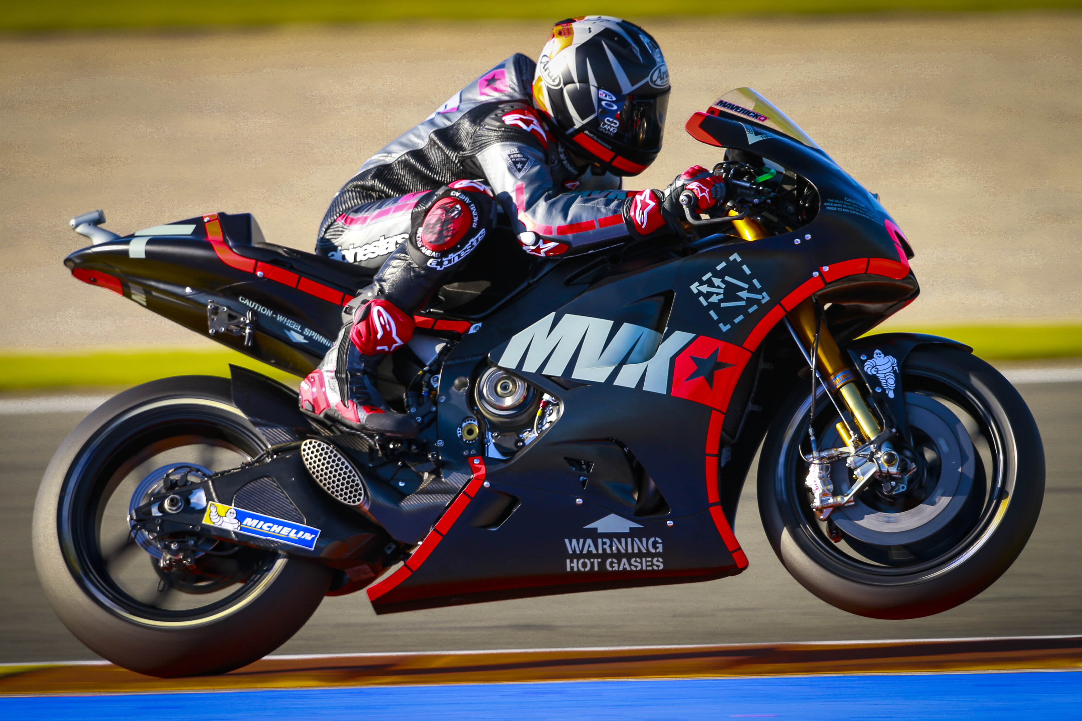 i-Moto | NEW KIDS ON THE BLOCK DOMINATES FIRST DAY VALENCIA TEST