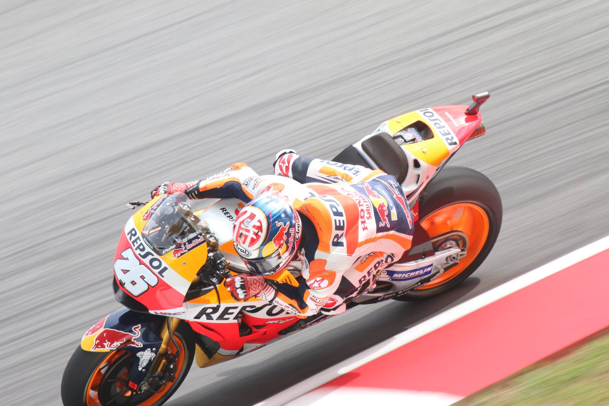 i moto pedrosa takes pole position at sepang. Black Bedroom Furniture Sets. Home Design Ideas