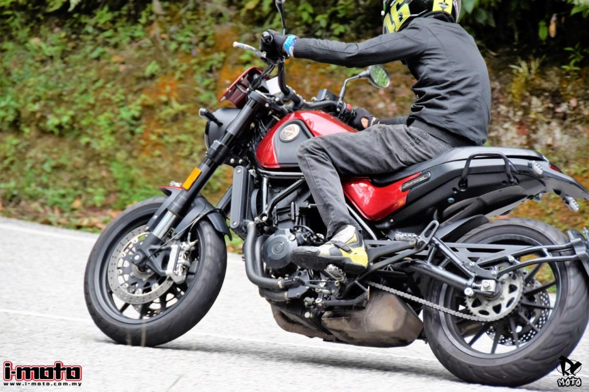 ROAD TEST: BENELLI LEONCINO 500