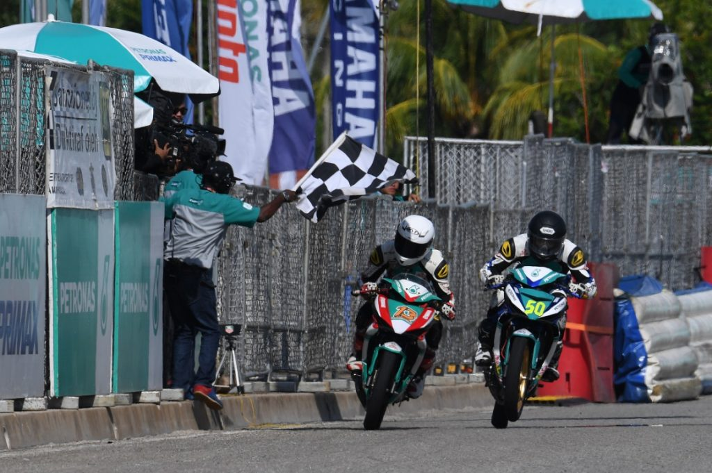 Afif (50) fight with Akid at finish line (Medium)