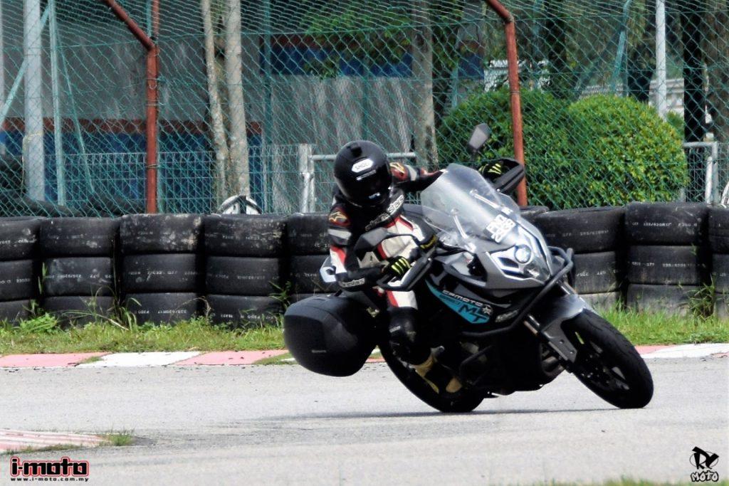 i-Moto   i-MOTO ROAD TEST: KTNS CFMOTO 650MT