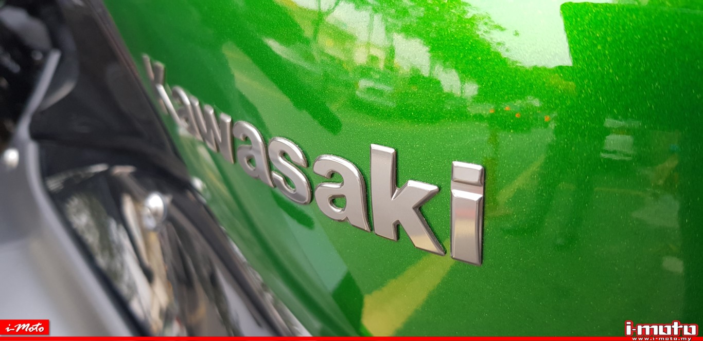 KAWASAKI NINJA H2 SX: SUPERCHARGED XPERIENCE